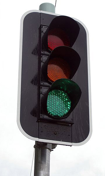 380px-LED_traffic_light