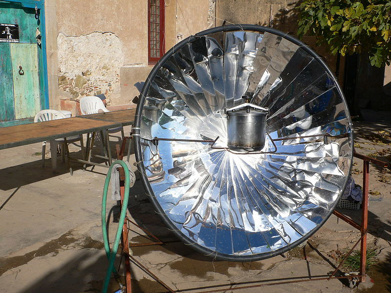 800px-horno_solar_casero
