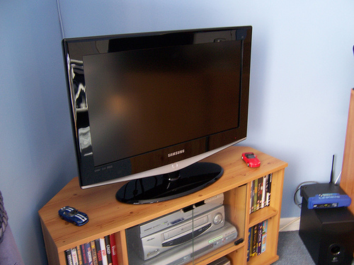 New TV by Alan D (Flickr Commons)