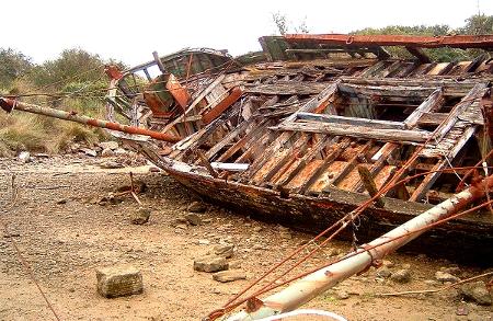 Ship Wreck (Wikimedia Commons)