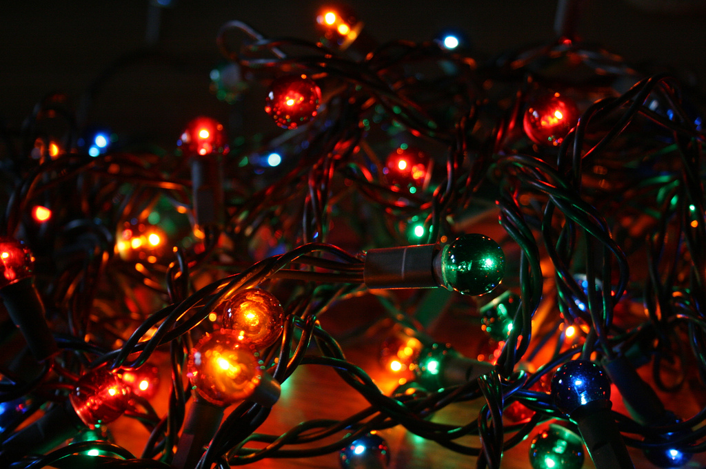 eGFI – For Teachers » Lesson: Holiday Lights and Circuits