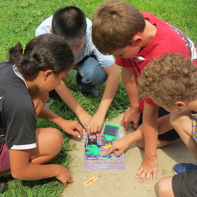 Kids doing STEM activity