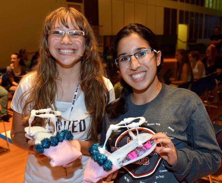 shoe contest girls