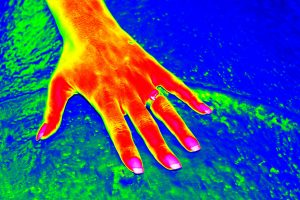 water showing warm hand skin temperature